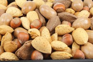 Frutta secca, un valido alleato contro la fibrillazione atriale