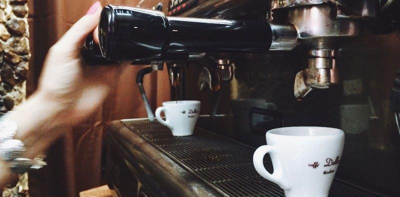 Troppi caffè fanno male? Nient'affatto, possono allungare la vita