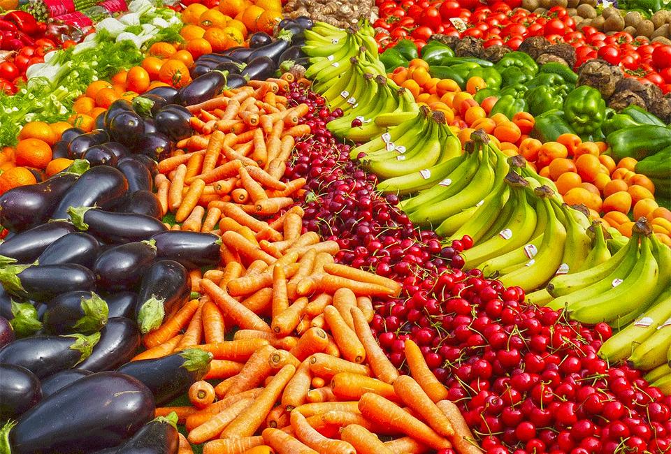 Mangiare più frutta e verdura fa sentire maggiormente felici